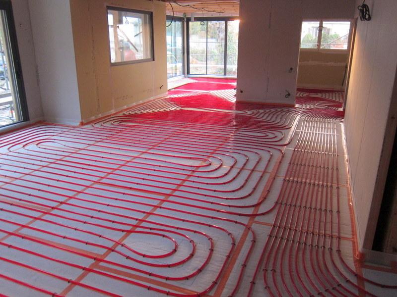 Voici des photos qui illustrent certains chantiers que for Pose plancher chauffant eau