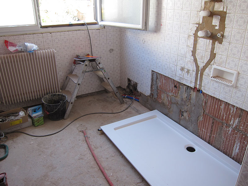 Voici des photos qui illustrent certains chantiers que for Remplacer bac de douche